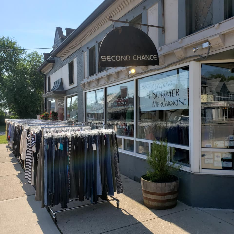 womens-clothes-racks-outside-store